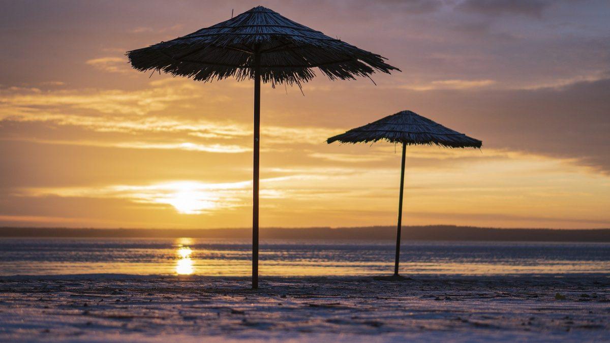 beach-4677871_1920-1200x675