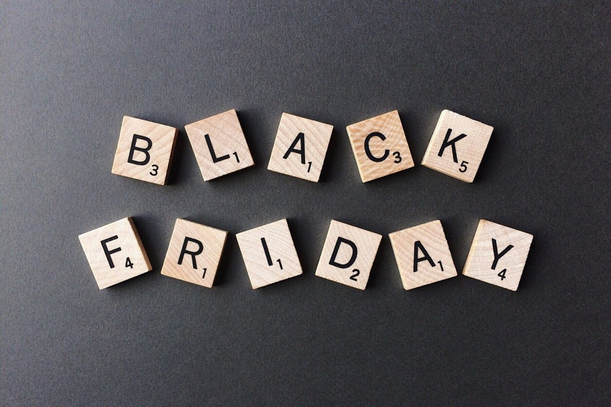 black-friday-2925476_1920-1200x799